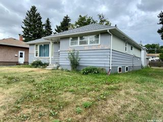 Photo 2: 206 Fourth Street South in Yorkton: Residential for sale : MLS®# SK869643
