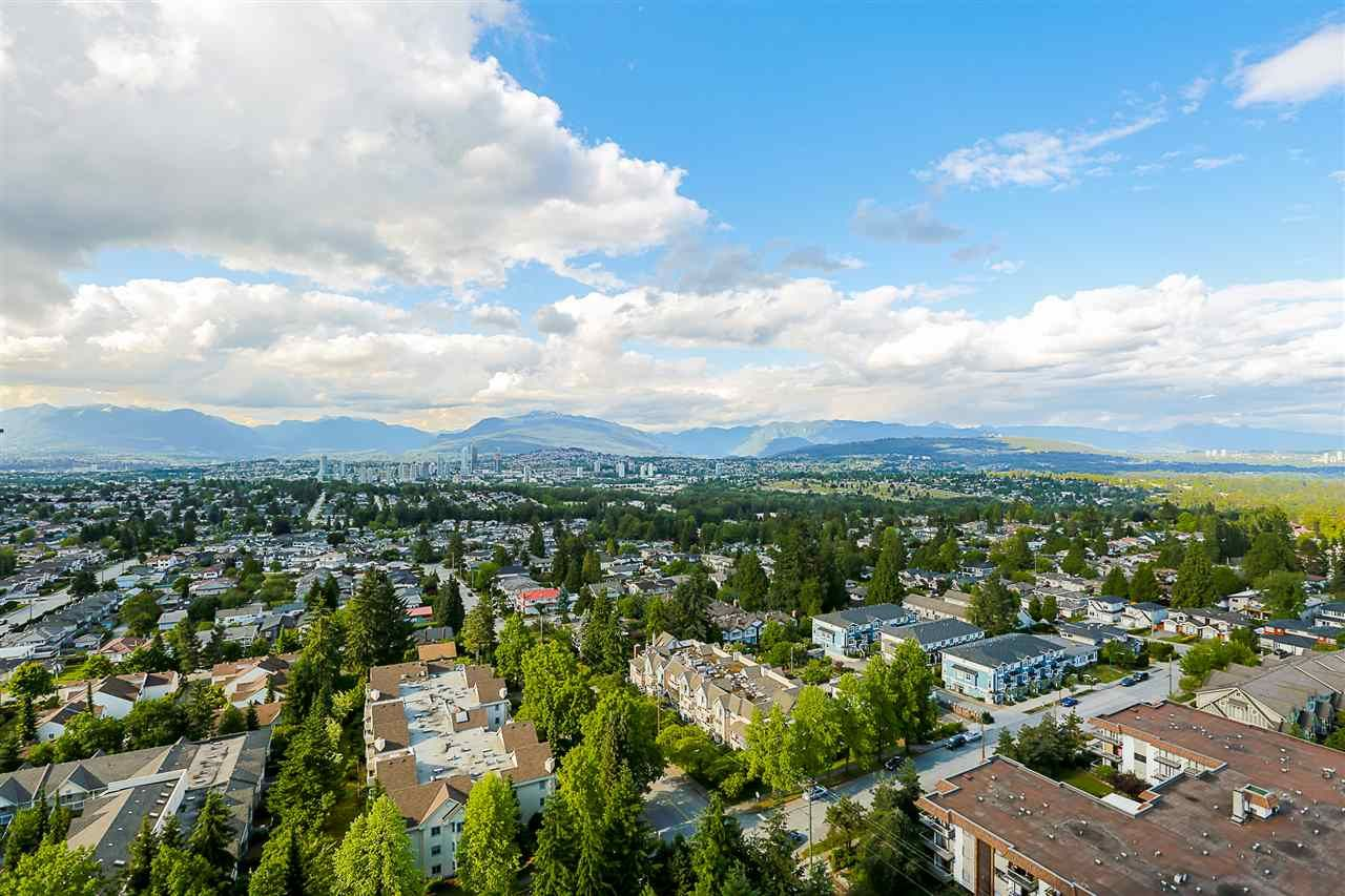 """Main Photo: 2102 5645 BARKER Avenue in Burnaby: Central Park BS Condo for sale in """"CENTRAL PARK PLACE"""" (Burnaby South)  : MLS®# R2296086"""
