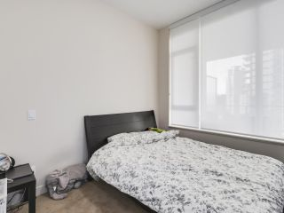 "Photo 10: 907 6383 MCKAY Avenue in Burnaby: Metrotown Condo for sale in ""Gold House"" (Burnaby South)  : MLS®# R2532723"