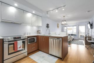 Photo 12: 320 221 E 3 Street in North Vancouver: Lower Lonsdale Condo for sale : MLS®# R2228210