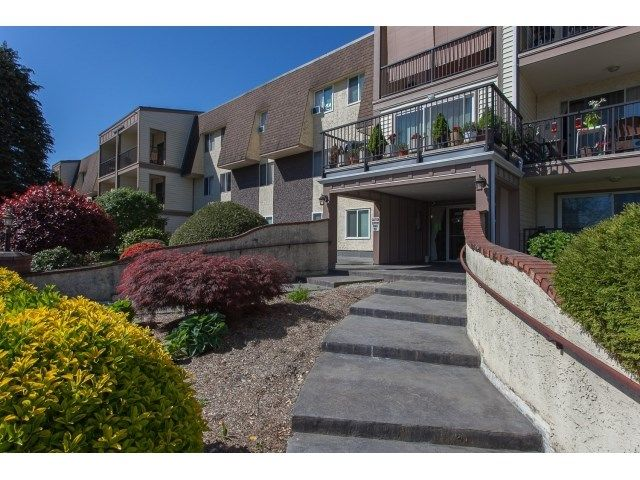 "Main Photo: 356 2821 TIMS Street in Abbotsford: Abbotsford West Condo for sale in ""Parkview Estates"" : MLS®# R2058809"