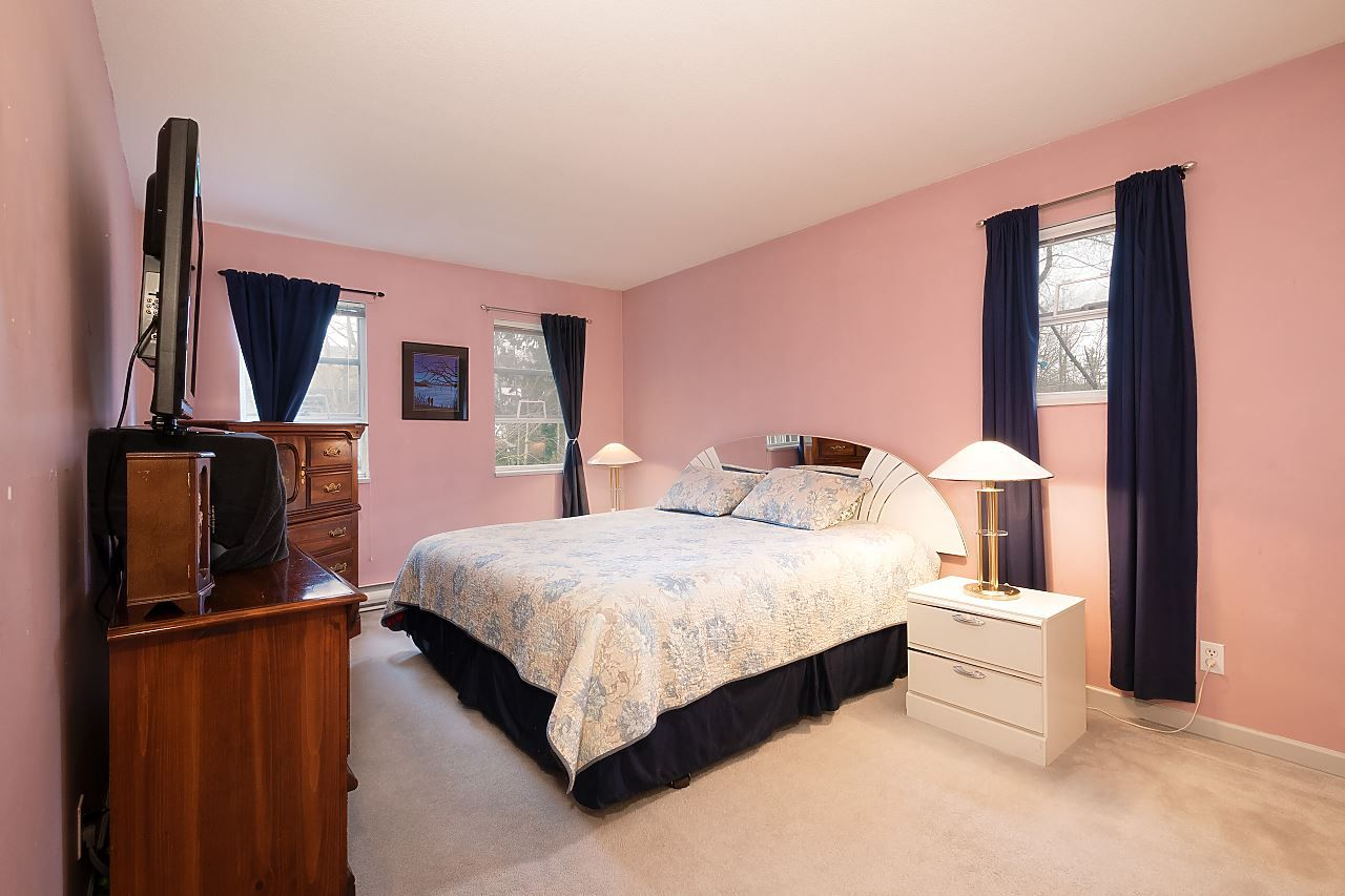 """Photo 7: Photos: 306 9767 140 Street in Surrey: Whalley Condo for sale in """"Fraser Gate"""" (North Surrey)  : MLS®# R2441933"""