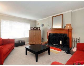 """Photo 3: 1954 148TH Street in White_Rock: Sunnyside Park Surrey House for sale in """"SOUTHMERE"""" (South Surrey White Rock)  : MLS®# F2727274"""