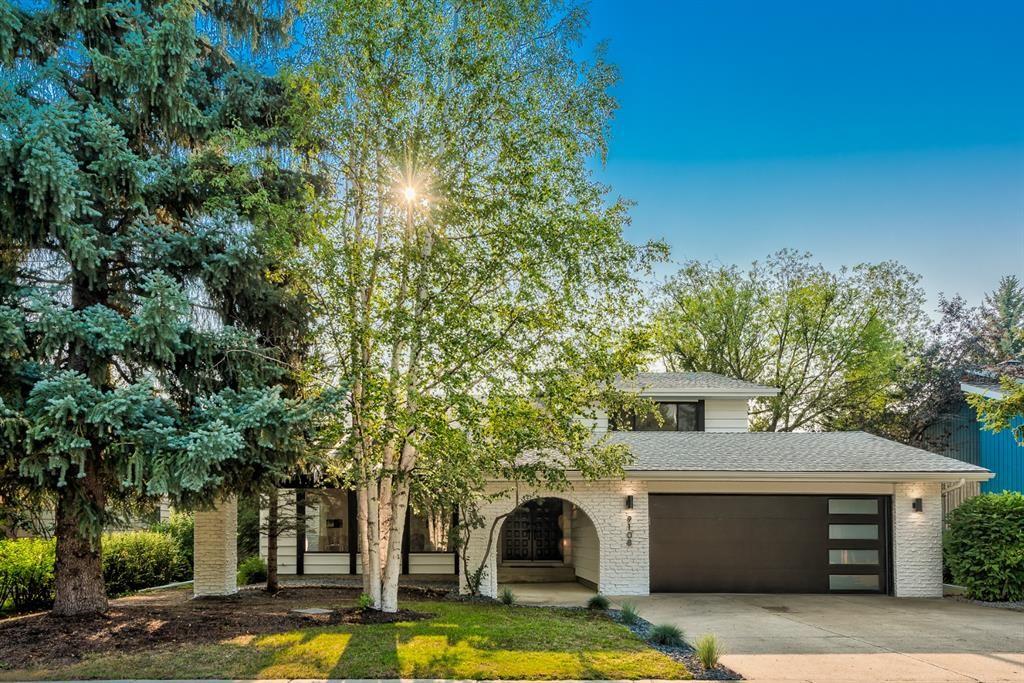 Main Photo: 9108 Oakmount Drive SW in Calgary: Oakridge Detached for sale : MLS®# A1151005