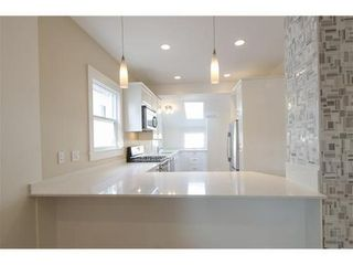 Photo 3: 347 34TH Ave E in Vancouver East: Main Home for sale ()  : MLS®# V981814