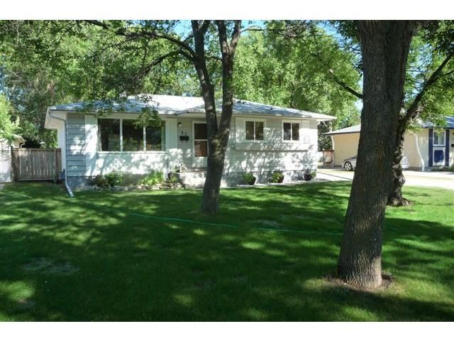 Main Photo: 83 Hammond Road in WINNIPEG: Charleswood Residential for sale (South Winnipeg)  : MLS®# 1115520