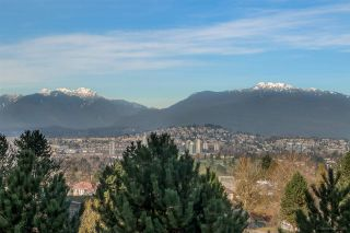 Photo 2: 500 4825 HAZEL STREET in Burnaby: Forest Glen BS Condo for sale (Burnaby South)  : MLS®# R2038287
