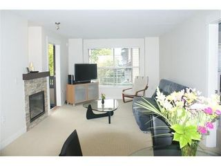 Photo 3: 204 1468 ST ANDREWS Ave in North Vancouver: Home for sale : MLS®# V966829