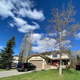 Main Photo: 319 Woodhaven Place SW in Calgary: Woodbine Detached for sale : MLS®# A1110611