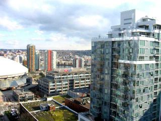 """Photo 9: 2202 788 HAMILTON Street in Vancouver: Downtown VW Condo for sale in """"TV TOWER I"""" (Vancouver West)  : MLS®# V825585"""