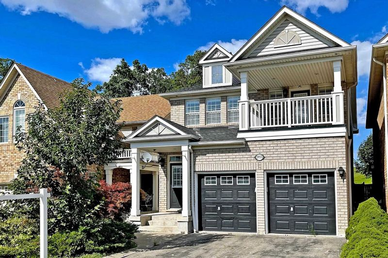 FEATURED LISTING: 5953 Sidmouth Street Mississauga