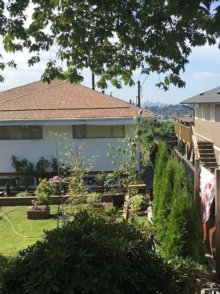 Photo 1: 205 HYTHE AVENUE in Burnaby: Capitol Hill BN House for sale (Burnaby North)  : MLS®# R2491774