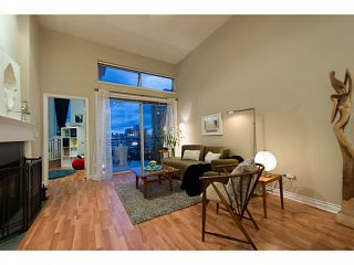 """Photo 3: 404 131 W 3RD Street in North Vancouver: Lower Lonsdale Condo for sale in """"Seascape Landing"""" : MLS®# V1044034"""