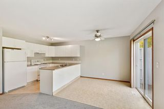 Photo 2: 5816 60 Avenue: Red Deer Semi Detached for sale : MLS®# A1149558