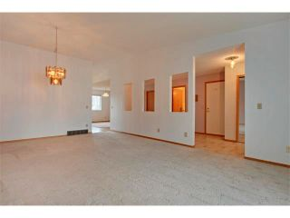 Photo 6: 43 LINCOLN Manor SW in Calgary: Lincoln Park House for sale : MLS®# C4008792