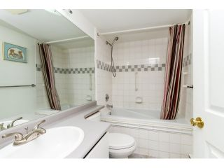 """Photo 13: 212 2357 WHYTE Avenue in Port Coquitlam: Central Pt Coquitlam Condo for sale in """"RIVERSIDE PLACE"""" : MLS®# R2043083"""