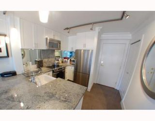 """Photo 3: 1102 1189 HOWE Street in Vancouver: Downtown VW Condo for sale in """"THE GENESIS"""" (Vancouver West)  : MLS®# V779458"""