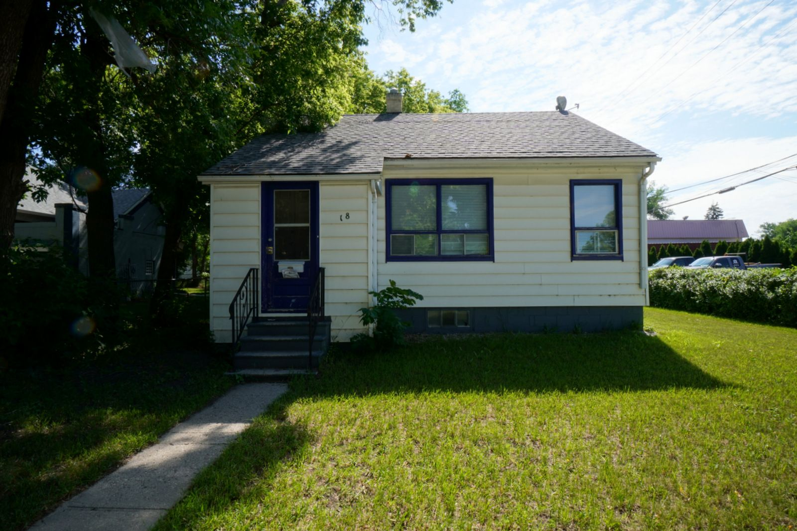 Main Photo: 18 5th Street NE in Portage la Prairie: House for sale : MLS®# 202116235