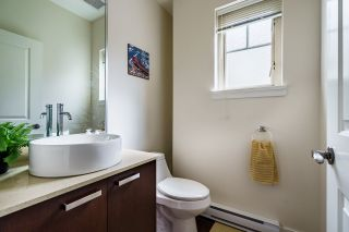 """Photo 11: 106 3382 VIEWMOUNT Drive in Port Moody: Port Moody Centre Townhouse for sale in """"LILLIUM VILAS"""" : MLS®# R2609444"""