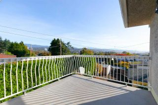 """Photo 10: 542 AMESS Street in New Westminster: The Heights NW House for sale in """"THE HEIGHTS"""" : MLS®# R2315958"""