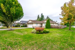 Photo 2: 21689 45 Avenue in Langley: Murrayville House for sale : MLS®# R2319292