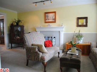 "Photo 2: 9170 161A Street in Surrey: Fleetwood Tynehead House for sale in ""Maple Glen"" : MLS®# F1017798"