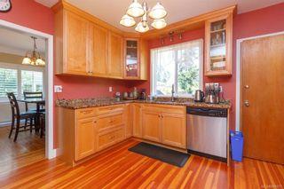 Photo 9: 2260 Central Ave in Oak Bay: OB South Oak Bay House for sale : MLS®# 844975