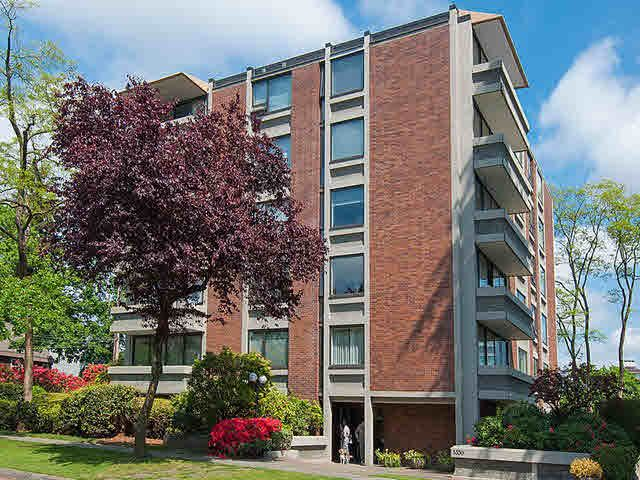 "Main Photo: 301 5350 BALSAM Street in Vancouver: Kerrisdale Condo for sale in ""BALSAM HOUSE"" (Vancouver West)  : MLS®# V1122706"