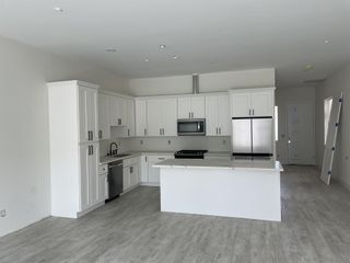 Photo 2: IMPERIAL BEACH Condo for sale : 3 bedrooms : 251 Dahlia
