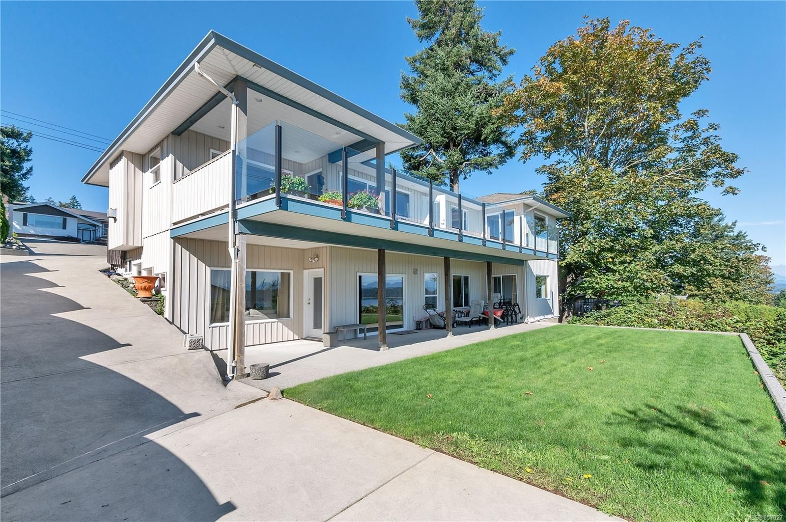 Photo 3: Photos: 253 S Alder St in : CR Campbell River South House for sale (Campbell River)  : MLS®# 857027
