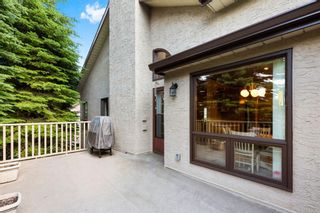Photo 28: 111 Oakbriar Close SW in Calgary: Palliser Semi Detached for sale : MLS®# A1128009