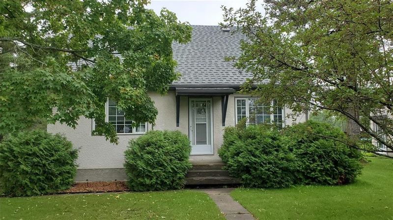 FEATURED LISTING: 84 Carter Crescent Great Falls