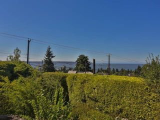 """Photo 2: 2095 MATHERS Avenue in West Vancouver: Ambleside House for sale in """"AMBLESIDE"""" : MLS®# V1078754"""