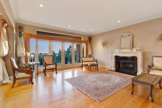 Photo 4: 1482 CHIPPENDALE Road in West Vancouver: Canterbury WV House for sale : MLS®# R2521711