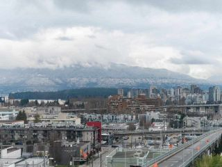 """Photo 4: 900 1570 W 7TH Avenue in Vancouver: Fairview VW Condo for sale in """"Terraces on 7th"""" (Vancouver West)  : MLS®# R2588372"""