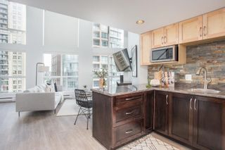 """Photo 3: 809 933 SEYMOUR Street in Vancouver: Downtown VW Condo for sale in """"The Spot"""" (Vancouver West)  : MLS®# R2594727"""