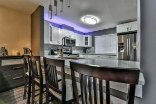 "Photo 6: 3 18181 68 Avenue in Surrey: Cloverdale BC Townhouse for sale in ""MAGNOLIA"" (Cloverdale)  : MLS®# R2141372"
