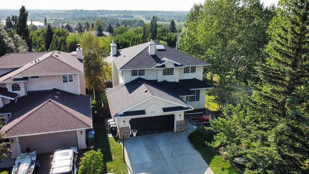 Main Photo: 175 Mt Reliant Place SE in Calgary: McKenzie Lake Detached for sale : MLS®# A1117086
