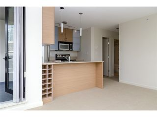 Photo 5: 704 909 MAINLAND Street in Vancouver: Yaletown Condo for sale (Vancouver West)  : MLS®# V1072136