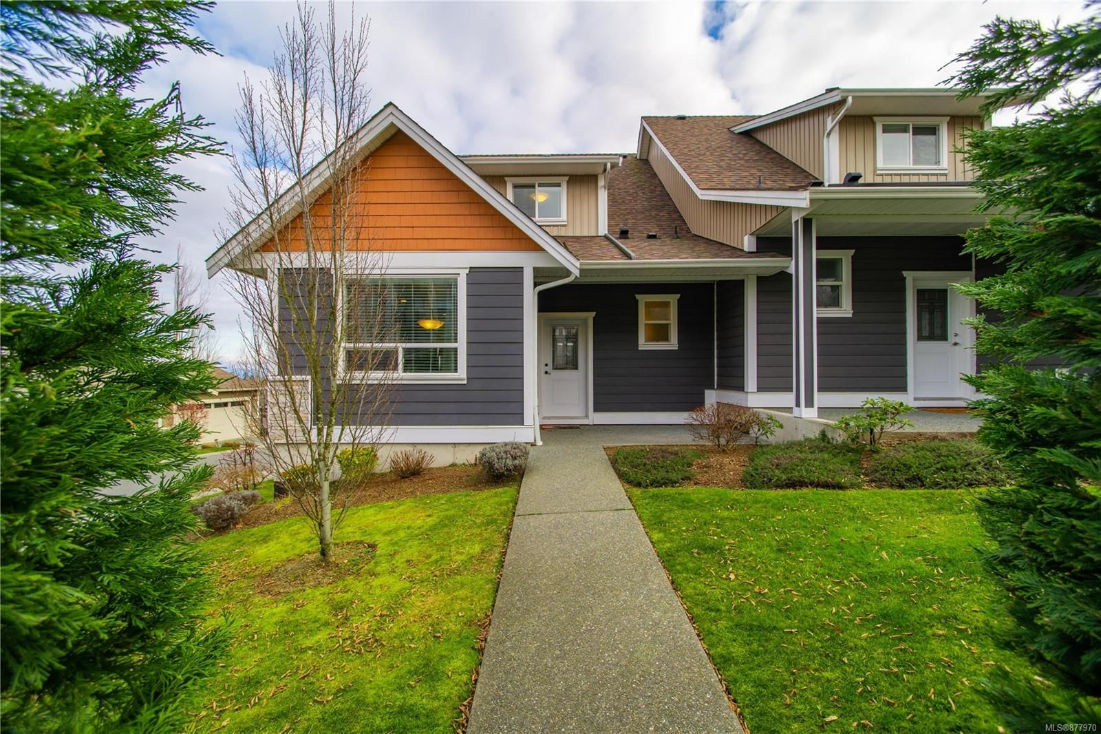 Main Photo: 6193 Washington Way in : Na North Nanaimo Row/Townhouse for sale (Nanaimo)  : MLS®# 877970