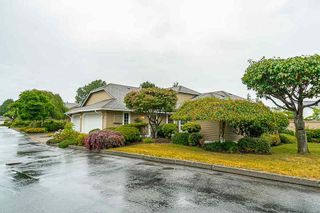 Photo 2: 113 15121 19 AVENUE in South Surrey White Rock: Home for sale : MLS®# R2286322