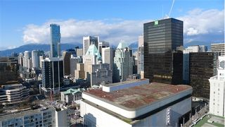 """Photo 3: 2210 833 SEYMOUR Street in Vancouver: Downtown VW Condo for sale in """"Capitol Residences"""" (Vancouver West)  : MLS®# V1056277"""