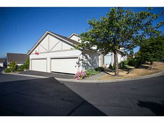 """Photo 1: 71 9012 WALNUT GROVE Drive in Langley: Walnut Grove Townhouse for sale in """"QUEEN ANNE GREEN"""" : MLS®# F1447003"""