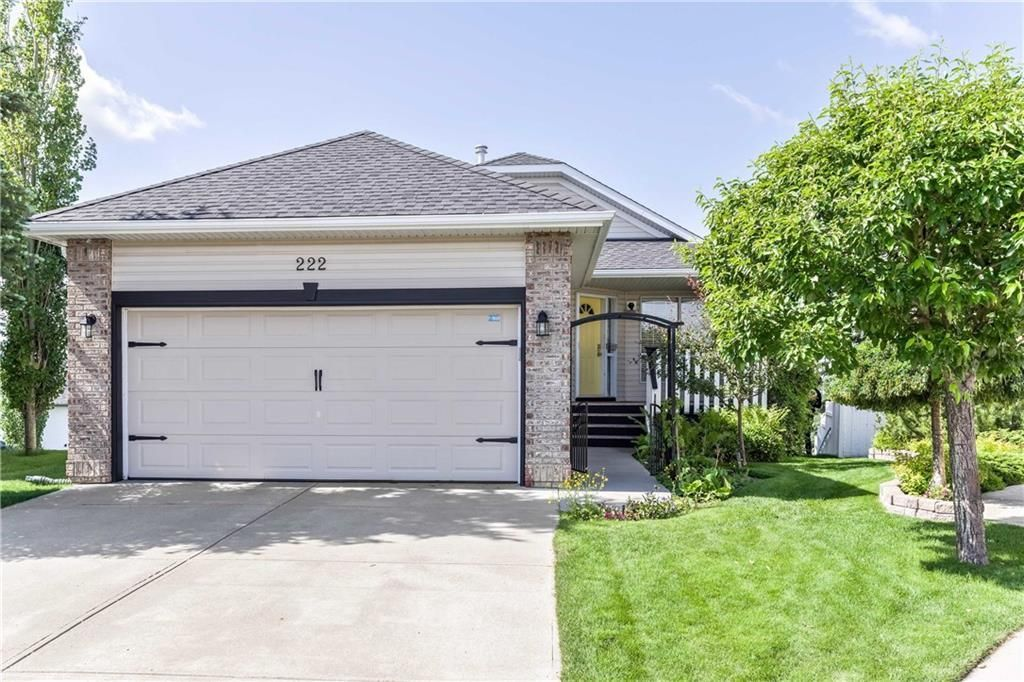 Main Photo: 222 SCENIC VIEW Bay NW in Calgary: Scenic Acres House for sale : MLS®# C4188448