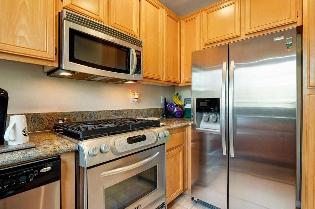 Photo 8: Photos: NATIONAL CITY House for sale : 3 bedrooms : 4102 Verde View