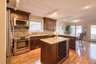 Photo 8: 2004 32 Street SW in Calgary: Killarney/Glengarry Detached for sale : MLS®# A1090186
