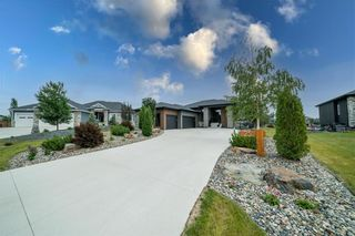Photo 2: 25 DOVETAIL Crescent in Oak Bluff: RM of MacDonald Residential for sale (R08)  : MLS®# 202118220