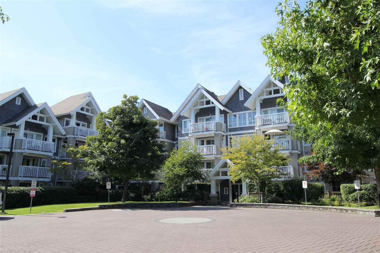 """Main Photo: 305 20750 DUNCAN Way in Langley: Langley City Condo for sale in """"Fairfield Lane"""" : MLS®# R2401633"""