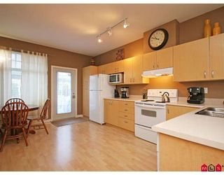 """Photo 4: 33 18828 69TH Avenue in Surrey: Clayton Townhouse for sale in """"STARPOINT"""" (Cloverdale)  : MLS®# F2901097"""