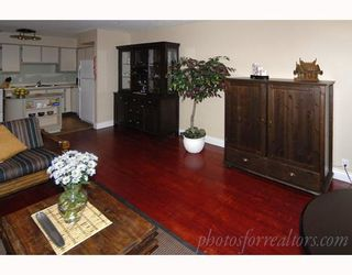 """Photo 2: 203 1050 JERVIS Street in Vancouver: West End VW Condo for sale in """"JERVIS MANOR"""" (Vancouver West)  : MLS®# V674973"""